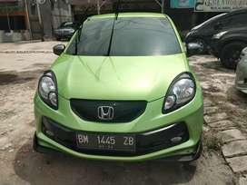 Dijual honda brio e manual 1300cc tahun 2013 dp 15jt