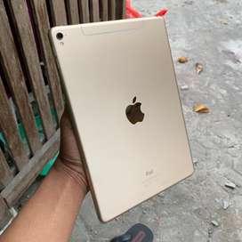 iPad Pro - 128gb ( Wifi + Cell ) 9.7inc . ISTIMEWAH LANGKAH BANGET !