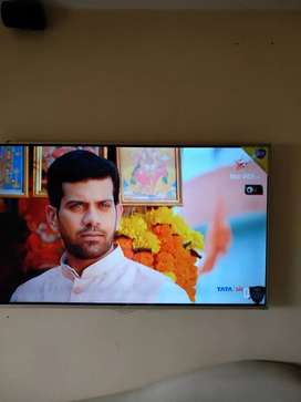 4K UHD SMART TV - VIDEOCON - 3 YRS OLD IN EXCELLENT WORKING CONDITION