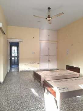 ONE HALL ROOM WITH KITCHEN BATHROOM NEAR 8B INDUSTRIAL AREA.GIRL COUPL