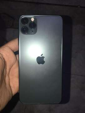 i phone 11 pro max 256gb only Use 1 month Box charger headphone