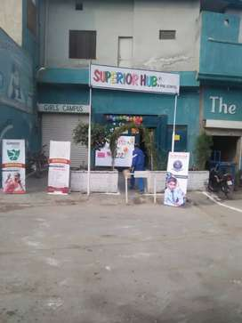 school k lye rental property chahye. the superior school