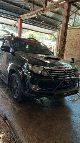 Dijual Mobil Second Toyota Fortuner 2015