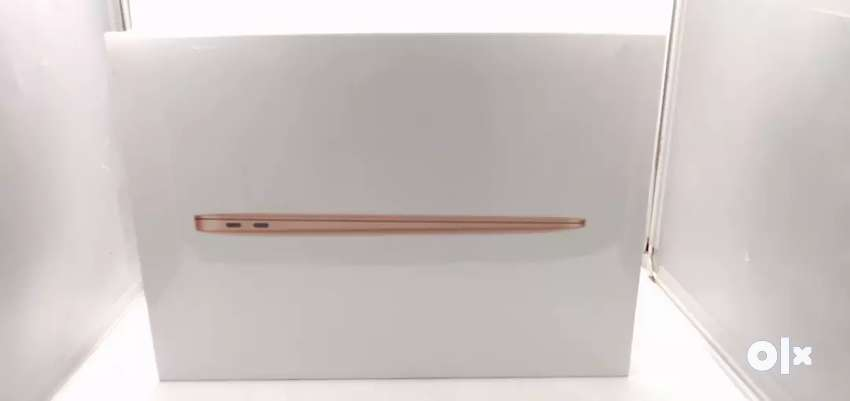 13 Inch MacBook Air With Apple M-1 Chip 8/256gb (NEW).