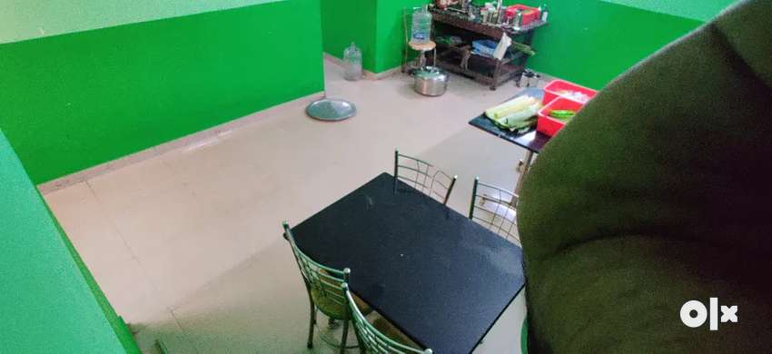 Commercial space available for Rent ( 1st Floor )