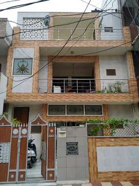 2 bhk(first floor) available for rent in sector 7 old gurgaon