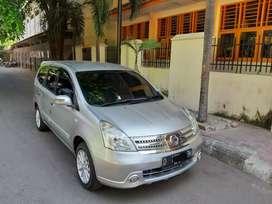 Nissan grand Livina SV MT 2011