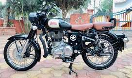 Royal enfield black classic 350cc bullet MH 10 Model २०१७