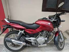 Red color Pulsar Dtsi in excellent condition