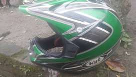 Jual helm trail merek kyt warna hijau