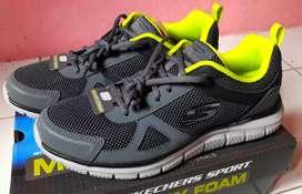 Sepatu Skechers Memory Foam / Lite Weight Ukuran 42 Original 100%