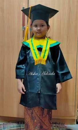 Baju Toga Wisuda Anak TK