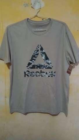 Reebok T-Shirt L
