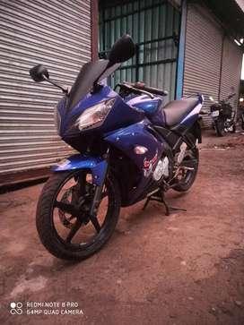 Yamaha R15 good condition huryy up gyyz