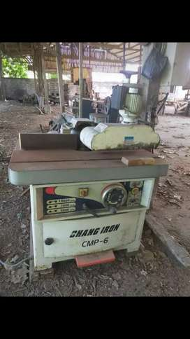 mesin spindle power feeder