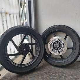 Velg Pulsar 180 Sepasang Sepaket dengan Ban Corsa s123 Tubeless