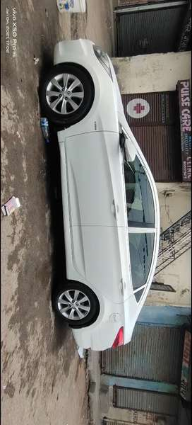 Hyundai Verna 2012 Diesel 100000 Km Driven