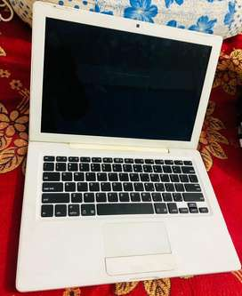 Apple mackbook c2d for sale