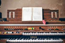 Guru Les Piano Panggilan