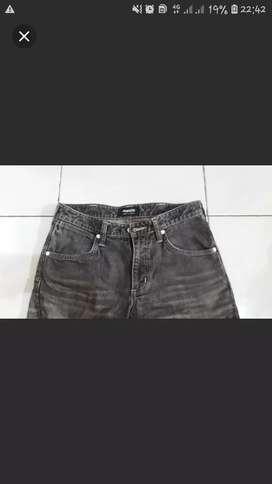 Jeans Wrangler warna abu2 corak bagus