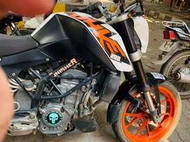 KTM / Duke 200 best condition, papers all ok. For more details call me