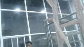 Pintu kaca dan alumunium