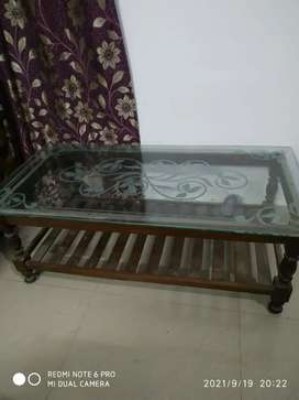 I want to sell my sofa and table in a good condition..