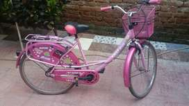 Avon bicycle 6 month used girls