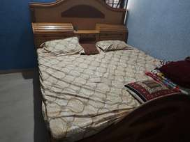 6ftx6ft king size bed with mattress