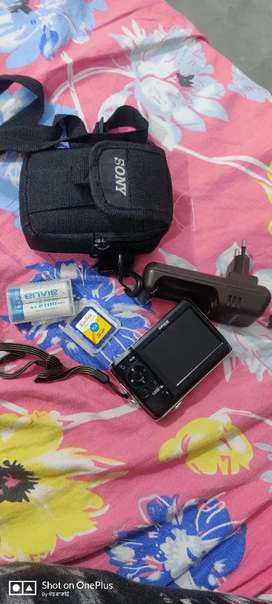 NIKON COOLPIX CAMERA IN BEST CONDITION RARE USED..