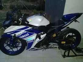 Motor yamaha r25 moviestar