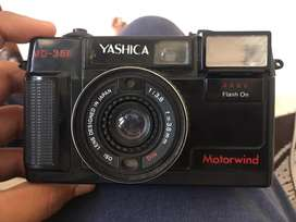 Yashica camra an antic pice