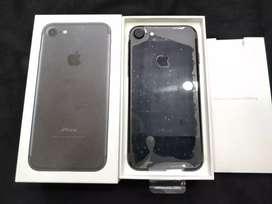 (9month apple warranty). New Apple iPhone 7 32gb matt black available