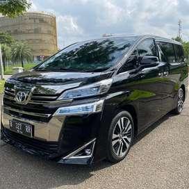Toyota Vellfire tahun 2018 pemakaian 2019 km masih 18 ribu