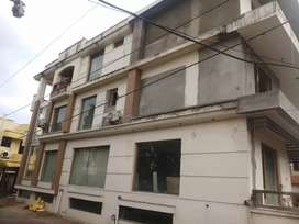 400gz kothi for sale with lift provision park facing corner house