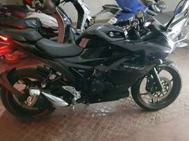Suzuki Gixxer SF Fi - showroom condition