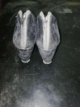 Velvet high heel (Black)