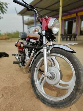 Royal Enfield 2006 only in 110000₹