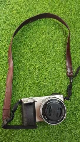 Dijual Camera Mirrorless Sony A-6.000. Lengkap, camera dan lensa