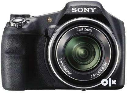Sony DSC-HX200V (Point & Shoot) 18.2 Mega Pixels Not Negotiable