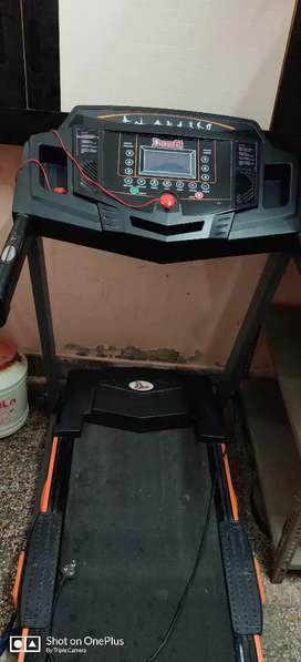 Under Warranty Treadmill Max User Weight 120 kg 2.5(5.0 hp peak) motor