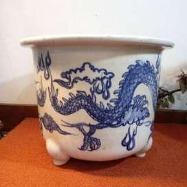 Guci pot biru putih motif naga dm 27cm antik