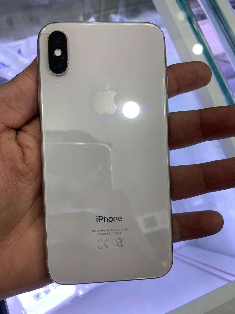 iPhone X ha 256 gb with box and chrgr only 0