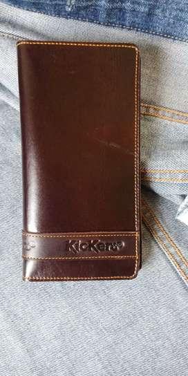 Dompet kulit lipat