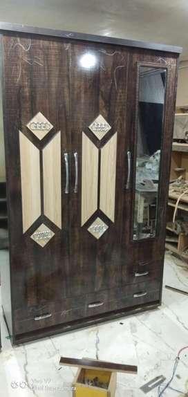 Wooden almira 4x6