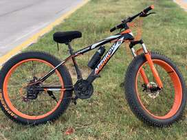 Brand New Bicycle With Big Tyres Including All Accessories.