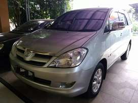 Innova v matic bensin good condition