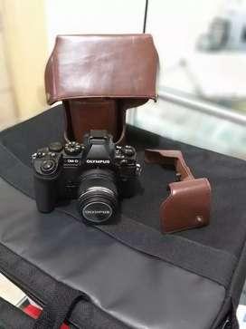 Kemera Olympis OM-D E-M1 . Kamera super mantab luar biasa