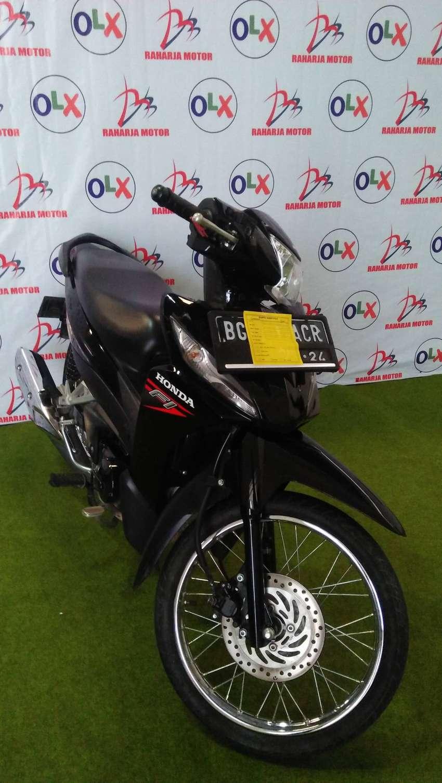 i.82 dijual honda revo fit tahun 2019 (raharja motor) 0