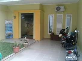 Rumah di komplek vila mutiara cinere
